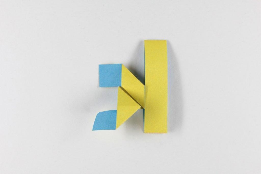 SS Falter folded character k back